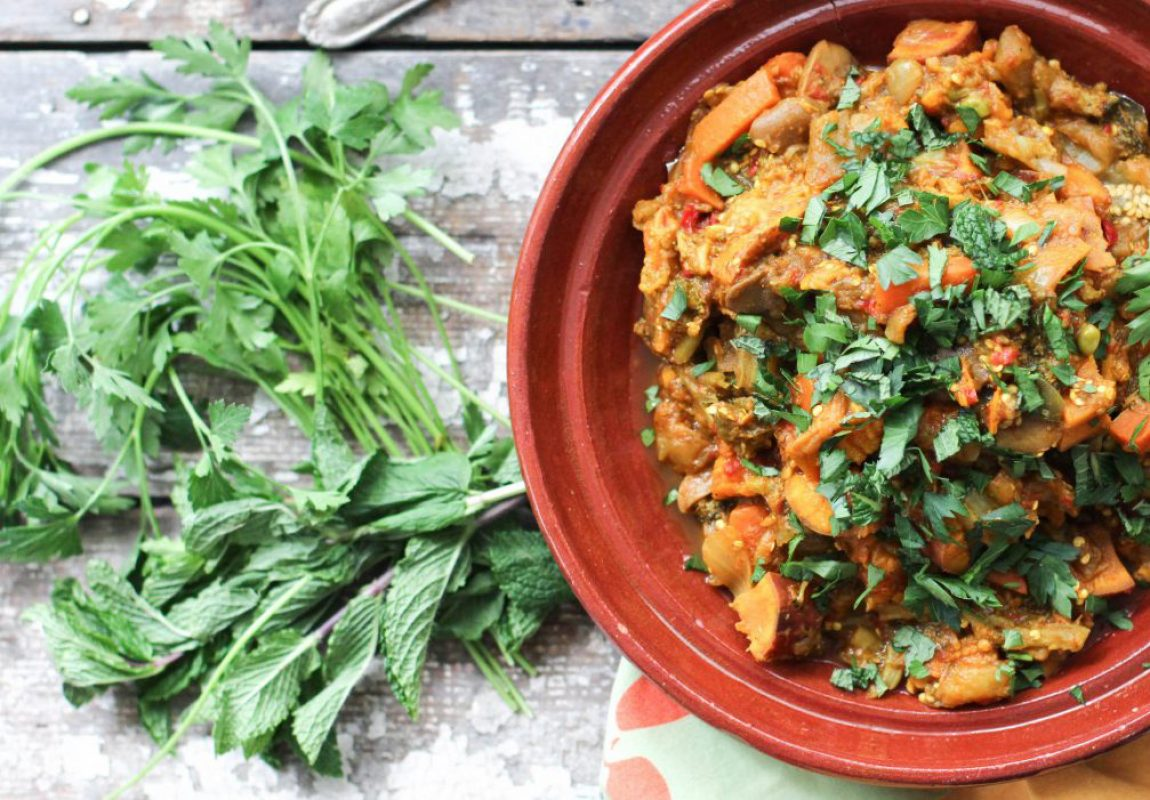 Healthy-Garden-Vegetable-Tagine-Recipe-glutenfree-vegan-vegetarian-paleo-dinner-recipe-nutritionstripped2-1346×701